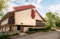Red Roof Inn Rockford Image