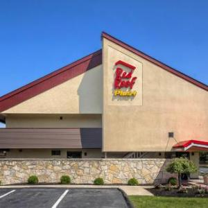 Hotels near Framingham State College - Red Roof PLUS  Boston - Framingham