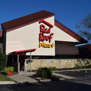 Hotels near UB Stadium - Red Roof Plus University At Buffalo Amherst