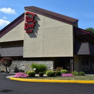 Hotels near Class of 1965 Arena - Red Roof Inn Utica