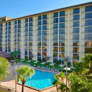 Hotels near Wet N Wild Orlando - Rosen Inn Closest to Universal