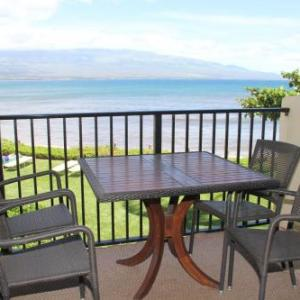 Book Now Makani A Kai Condo #A8 by CRH (Maalaea, United States). Rooms Available for all budgets. TA-134-868-3776-01 Situated in Maalaea just 1 km from Maui Ocean Center Makani A Kai Condo #A8 by CRH provides beachfront accommodation with a private beach area barbecue faci