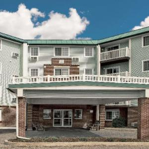 Champlain Valley Exposition Hotels - Baymont By Wyndham Essex Burlington Area