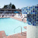 Paddy's on Misquamicut Beach Hotels - Breezeway Resort