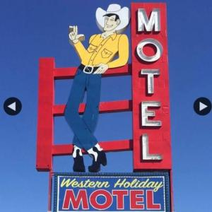 Hotels near The Cotillion - Western Holiday Motel
