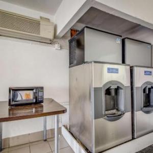 Motel 6-Conroe TX