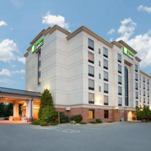 Holiday Inn Express Hotel & Suites Bloomington an IHG Hotel