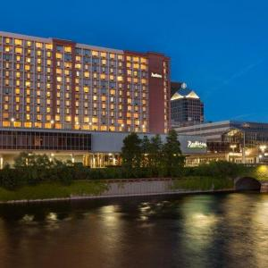 Hotels near Blue Cross Arena - Rochester Riverside Hotel