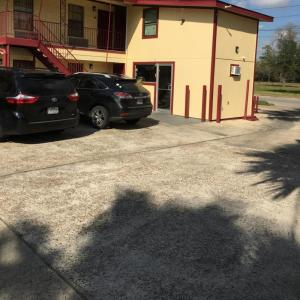 Hotels near Health and Physical Education Arena - Southmore Motel