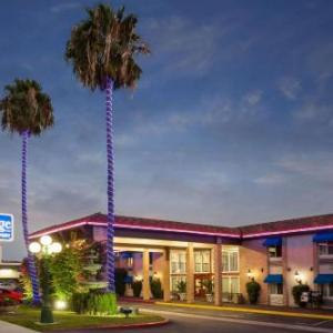 Travelodge By Wyndham Orange County Airport/Costa Mesa