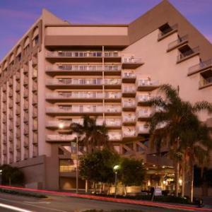 Barnum Hall Hotels - Le Meridien Delfina Santa Monica