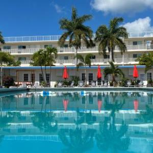 Marathon Key Hotels - Skipjack Resort Suites & Marina