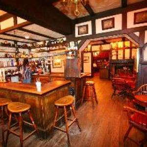 Hotels near Marines Memorial Theatre - Hotel Beresford