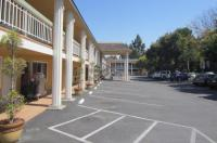Caravelle Inn And Suites