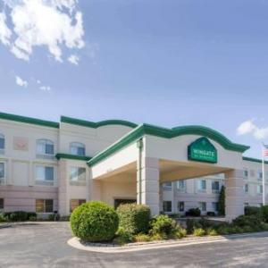 Joliet Memorial Stadium Hotels - Wingate By Wyndham - Joliet