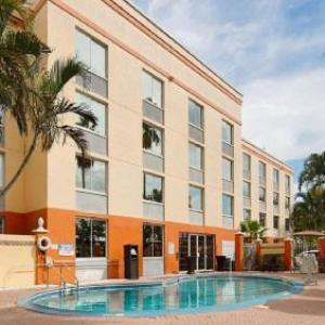 Lee Civic Center Hotels - Best Western Fort Myers Inn & Suites