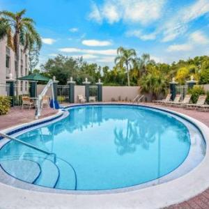 Florida Sports Park Hotels - La Quinta Inn & Suites Naples Downtown