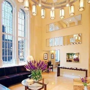 Racquet Club of Chicago Hotels - Raffaello Hotel