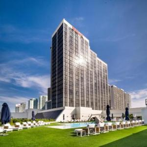 Hotels near Temple Israel of Greater Miami - Hilton Miami Downtown