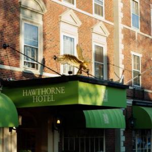 Hotels near North Shore Music Theatre - Hawthorne Hotel