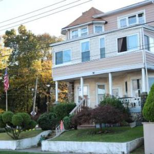 Hotels near St. George Theatre - Harbor House Bed And Breakfast