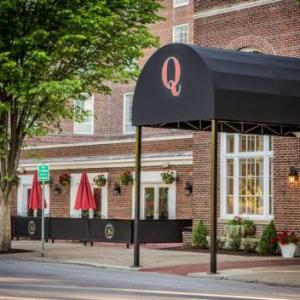 Hotels near Glens Falls Civic Center - The Queensbury Hotel