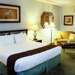 Hotels near Bulldog Stadium - University Square Hotel