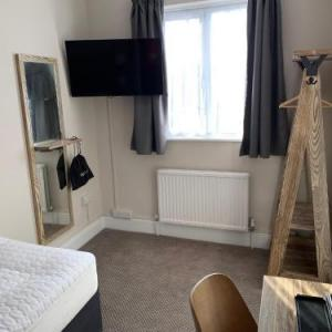 Hotels near Sherborne Castle - Half Moon by Marston's Inns
