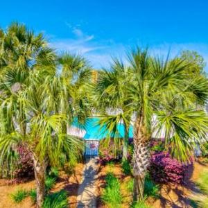 Book Now Endless Summer E-10 PCB Condo (Panama City Beach, United States). Rooms Available for all budgets. Located 3.3 km from Russell-Fields Pier in Panama City Beach Endless Summer E-10 PCB Condo is an apartment with a kitchen. This property is 3.4 km from Pier Park and boasts fr