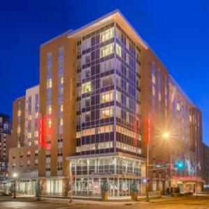 Overture Hall Hotels - Hampton Inn & Suites Madison Downtown