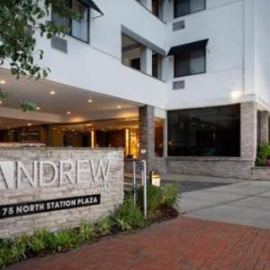 Landmark on Main Street Hotels - The Andrew Hotel
