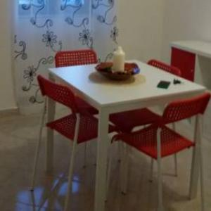 Book Now A Due Passi b&b (Ruffano, Italy). Rooms Available for all budgets. A Due Passi b&b is set in Ruffano 42 km from Lecce and 25 km from Gallipoli.Every room at this bed and breakfast is air conditioned and features a flat-screen TV. Certain