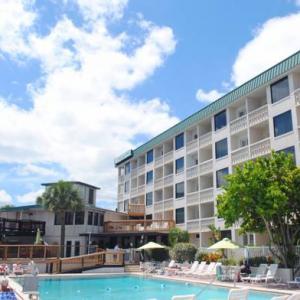 Jackie Robinson Ballpark Hotels - Silver Beach Club