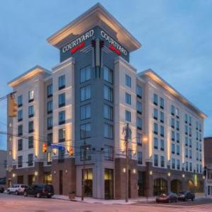 Hotels near Greenfield Lake Amphitheater - Courtyard By Marriott Wilmington Downtown/historic District