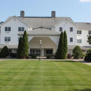 Blue Gate Theater Hotels - Farmstead Inn And Conference Center