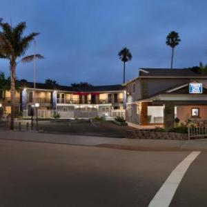 Hotels near The Crepe Place Santa Cruz - Torch Lite Inn at the Beach Boardwalk