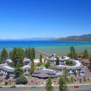 Hotels near Whiskey Dick's South Lake Tahoe - The Beach Retreat & Lodge at Tahoe
