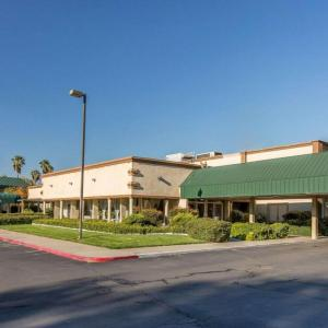 Stockton 99 Speedway Hotels - Clarion Inn & Suites Stockton