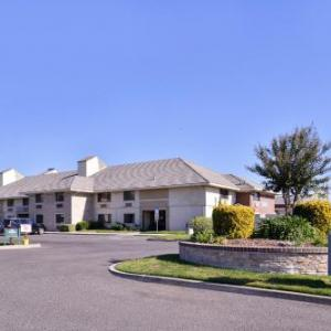 James Enochs High School Hotels - Red Lion Inn & Suites Modesto