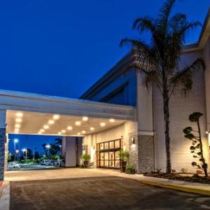 Foley Cultural Center Hotels - Best Western Inn And Suites At Discovery Kingdom