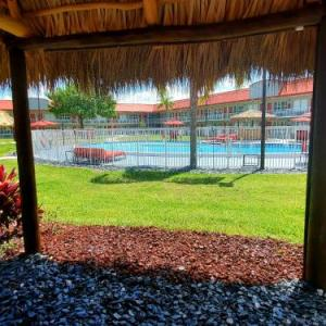 Hotels near Holman Stadium at Dodgertown - Vero Beach Inn & Suites