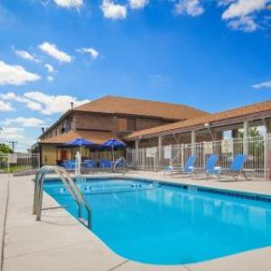 Fox Valley Ice Arena Hotels - Best Western Inn Of St. Charles