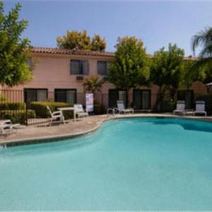 Hotels near Riverside Municipal Auditorium - Days Inn San Bernardino/Redlands