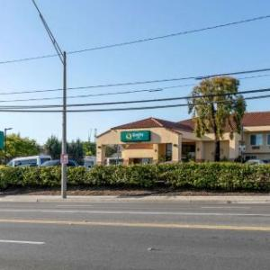 Hotels near Executive Suite Nightclub Long Beach - Quality Inn Near Long Beach Airport