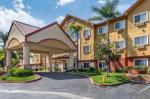 Castaic California Hotels - Comfort Suites Near Six Flags Magic Mountain