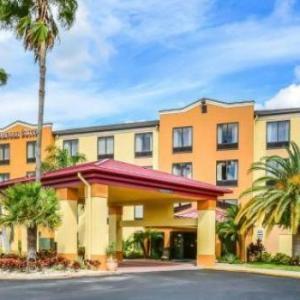 Dallas Bull Hotels - Comfort Suites Tampa/Brandon