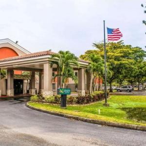 JetBlue Park Hotels - Quality Suites Airport Fort Myers