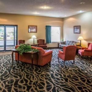 Hotels near LaSalle Speedway - Quality Inn & Suites Mendota