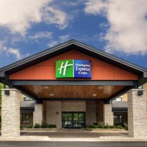 Hotels near RiverEdge Park Music Garden - Holiday Inn Express & Suites AURORA - NAPERVILLE