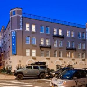Snug Harbor Cultural Center Hotels - Best Western Gregory Hotel